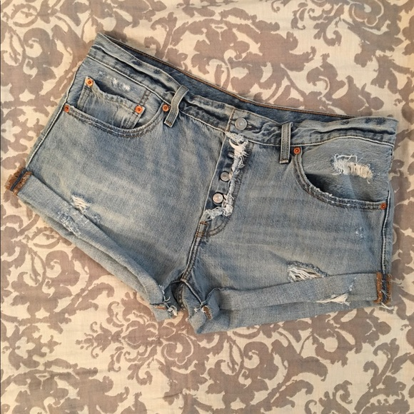 Levi's Pants - Levi's Button Up Fly Shorts, gently worn, size 30